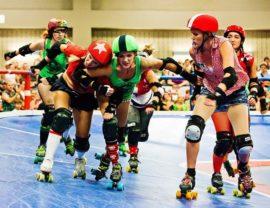 女性による女性のための熱いスポーツ「ローラー・ダービー」